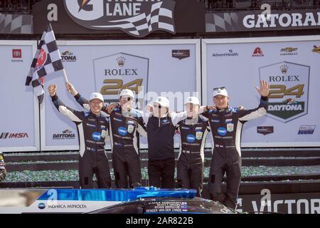 Daytona Beach, Floride, États-Unis. 26 janvier 2020. La voiture Konica Minolta Cadillac DPI-V.R. remporte le Rolex 24 À Daytona au Daytona International Speedway de Daytona Beach, en Floride. (Image De Crédit : © Logan Arce/Asp) Banque D'Images