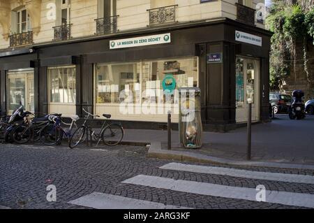 La Maison du Zéro Déchet, zéro déchet, magasin écologique, 3 rue Charles Nodier, 75018 Paris, France Banque D'Images