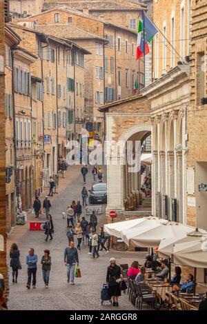 Piazza Della Repubblica, Urbino, Marche, Italie, Europe Banque D'Images