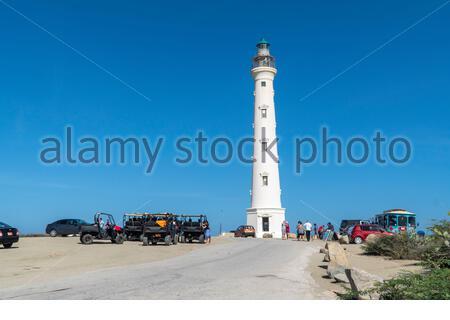 Visiteurs au phare de Californie sur l'île des Caraïbes d'Aruba, Antilles néerlandaises Banque D'Images