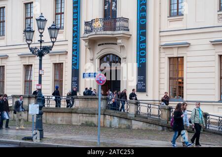 Extérieur Du Musée Juif De Berlin Ou Du Musée Jüdisches De Berlin En Allemagne. Est l'un des plus grands musées juifs d'Europe. Dans deux bâtiments, un de W Banque D'Images
