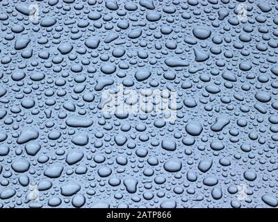 gouttes d'eau métalliques Banque D'Images