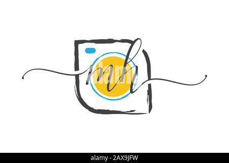 M H logo d'écriture initiale avec une brosse, concept de logo de photographie. Banque D'Images