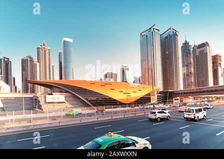 26 Novembre 2019, Emirats Arabes Unis, Dubaï: Station De Métro Business Bay Dans Le Quartier Du Centre-Ville Banque D'Images