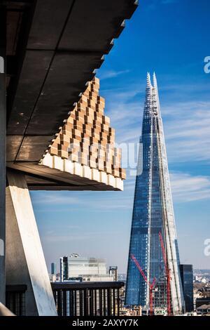 La ville de Londres avec l'emblématique bâtiment vu d'échardes de la Tate Modern. Banque D'Images
