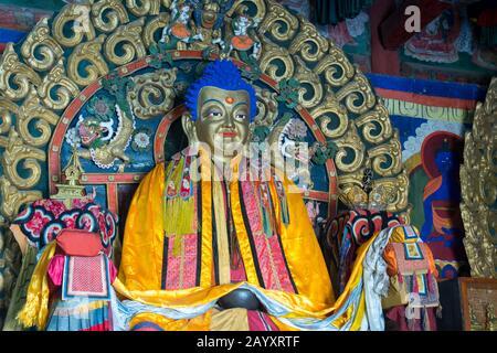 Statue de Bouddha à l'intérieur du temple de Zuu occidental, qui fait partie du monastère d'Erdene Zuu à Kharakhorum, en Mongolie, le plus grand monastère de Mongolie, (Worl de l'UNESCO Banque D'Images