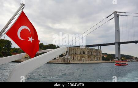 Istanbul, Turquie - 16 Septembre 2019. Palais de Beylerbeyi, également appelé Beylerbeyi Sarayi, sur la rive du Bosphore dans le quartier d'Uskudar Banque D'Images