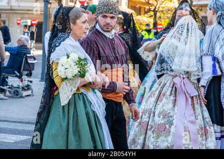 Valence, Espagne, 18 Mars 2019. Festival Valencien Des Flas. Procession festive au centre de la ville. Femmes Falloueras De Valence. Banque D'Images