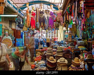 Souk dans la vieille ville d'Acre, près de Haïfa, Israël Banque D'Images
