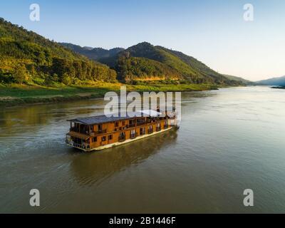 Bateau de croisière fleuve Mekong Sun sur le Mékong au Laos