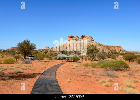 Camp de bushcamp éloigné dans La Réserve historique Chambers Pillar, territoire du Nord, territoire du Nord, Australie Banque D'Images
