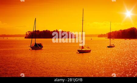 Coucher de soleil sur le lac Starnberg, Allemagne, Bavière, Tutzing