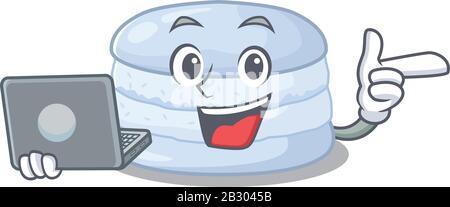 Caractère cool du macaron de bleuet travaillant avec l'ordinateur portable Banque D'Images