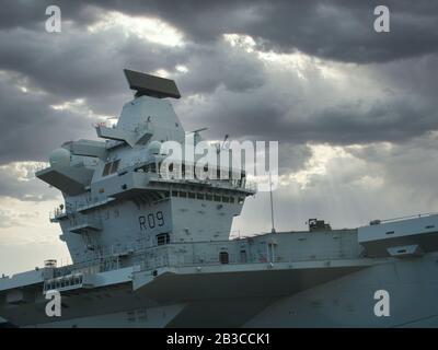 Pont de commandement du HMS Prince de Galles de la Royal Navy (R09), deuxième porte-avions de la classe Queen Elizabeth du Royaume-Uni