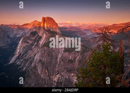 États-Unis, États-Unis D'Amérique, Half Dome Im Yosemite National Park, Californie