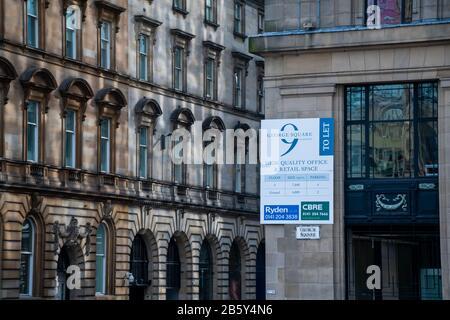 Gros plan sur George Square et Hanover Street dans le centre-ville de Glasgow, en Écosse Banque D'Images