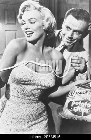Marilyn monroe et tom ewell dans Le Fossé De Sept ans Banque D'Images
