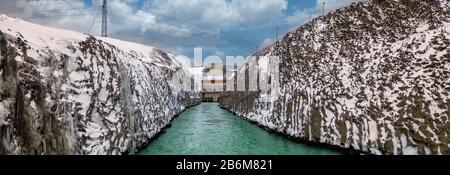 Centrale hydroélectrique de Sultartangavirkjun, Central Highlands, Islande