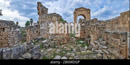 L'Arche De Pneu Triumphal, Tyr, Liban