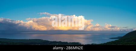 Vue sur la mer et le littoral, South Kona, Hawaï, États-Unis