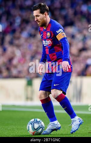 Barcelone - MAR 7: Lionel Messi joue au match de la Liga entre le FC Barcelone et Real Sociedad de Futbol au Camp Nou Stadium le 7 mars 2020 i Banque D'Images