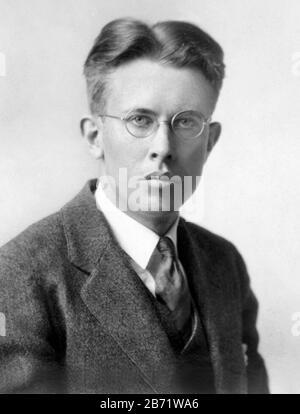 Ernest Orlando Lawrence (1901 – 1958) pionnier de la science nucléaire américaine et inventeur du cyclotron.