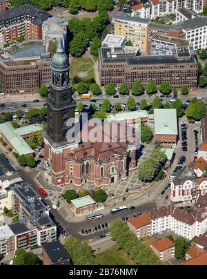 L'église principale protestante de Saint-Michaelis, appelée Michel, est la plus célèbre église de Hambourg, 05.05.2011, vue aérienne, Allemagne, Hambourg Banque D'Images