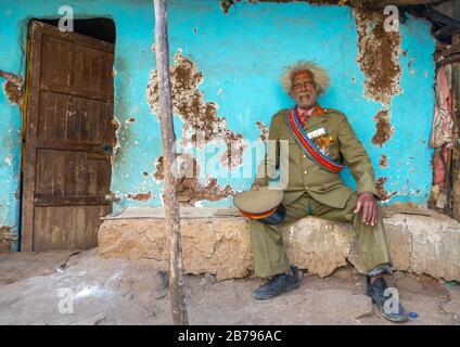 Vétéran éthiopien de la guerre italo-éthiopienne en uniforme militaire, région d'Addis-Abeba, Addis-Abeba, Ethiopie