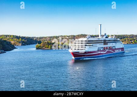 16 septembre 2018 : Stockholm, Suède - Viking Line ferry Grace navigue dans le port de Stockholm juste après le lever du soleil. Banque D'Images