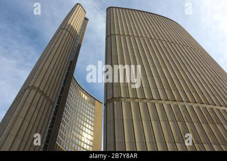 L'hôtel de ville de Toronto est l'un des sites les plus connus de Toronto. Canada