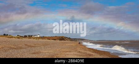 Un arc-en-ciel sur la côte du Suffolk