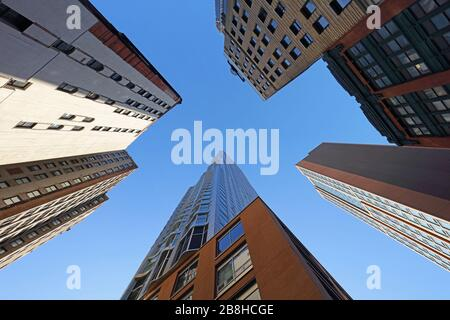 Gratte-ciel à Manhattan le jour, New York City, États-Unis. Banque D'Images