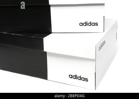 Service de boîte boîtes à chaussures chaussures magasin