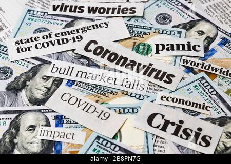 Covid-19 coronavirus news news dépêches on United States of America 100 dollars factures impact financier, baisse de la Bourse, crash dû au concept de pandémie Banque D'Images