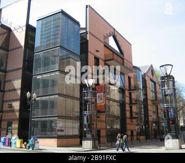 'W:Portland Center pour les arts portez w:Antoinette Hatfield Hall.; 29 mars 2007, 13:04; w:Fichier:PCFPA.JPG; M.O. Stevens; ' Banque D'Images