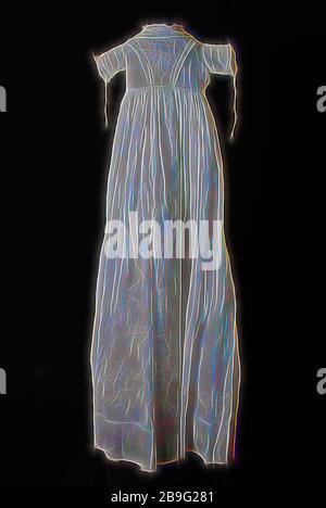 Robe de baptême Longue evasee de batiste blanche, en forme de V et plaid jupe brodée de plumetis fine, manches courtes, avec une robe de baptême, vêtements Vêtements pour bébés Vêtements pour enfants vêtements occasion coton batist milieu dos, jupe, épaule w 22,0 w 104,0 manchon, en vertu de la broderie flocage textile batiste blanche robe avec broderies en forme de sablier à l'avant manches courtes robe de coton blanc robe de baptême baptême des enfants de l'église cérémonie religieuse religion Banque D'Images