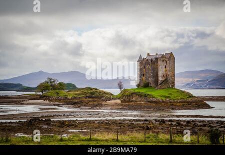 Château dans les Highlands écossais Banque D'Images