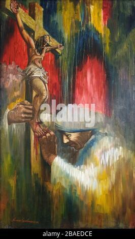 Mère Theresa prie sous la croix, peinture dans la Maison mère à Kolkata, Bengale occidental, Inde Banque D'Images
