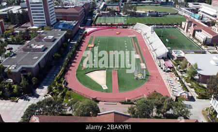 Los Angeles, États-Unis. 21 mars 2020. Vue aérienne générale de Cromwell Field et du stade Loker sur le campus de l'Université de Californie du Sud. Photo via crédit: Newscom/Alay Live News