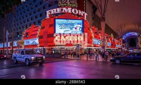 Las Vegas, Nevada, USA, octobre 2010 - Fremont casino est l'un des casinos magnifiquement illuminés qui font partie du paysage de Las Vegas la nuit