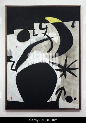 """Peinture du peintre moderniste espagnol Joan Miró intitulée """"Femme et oiseau dans la nuit"""" (1974) exposée dans la Fundació Joan Miró (Fondation Joan Miró) à Barcelone, Catalogne, Espagne. Banque D'Images"""