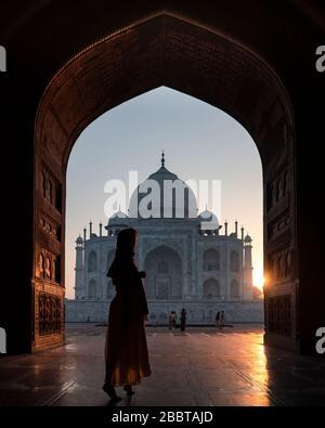 Taj Mahal au lever du soleil à Agra Inde Banque D'Images
