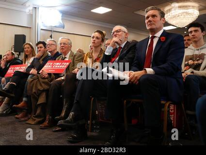 Londres, Royaume-Uni. 5 novembre 2019. Photo du dossier prise le 5 novembre 2019 montre Keir Starmer (devant, 1ère R) participant à un événement du Parti travailliste à Harlow, Grande-Bretagne. Keir Starmer a été nommé nouveau chef du Parti travailliste de l'opposition britannique, remplaçant Jeremy Corbyn. Crédit: Han Yan/Xinhua/Alay Live News Banque D'Images