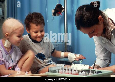 Enfants sous chimiothérapie Banque D'Images