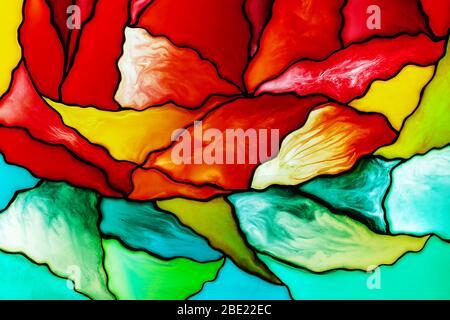 Photo d'un petit fragment d'un beau fond coloré en vitraux, y compris des morceaux rouges, jaunes et verts. Contexte abstrait..