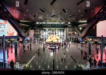 Hall principal de l'aéroport international de Hamad à Doha, Qatar