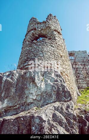 Ruines du château de Tematin, République slovaque, de l'Europe. Destination de voyage. Banque D'Images