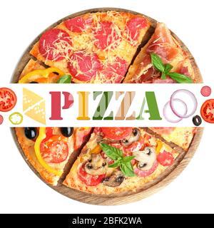 De délicieuses tranches de pizza sur planche en bois avec de l'espace pour le texte isolé sur blanc Banque D'Images