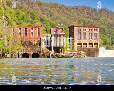 Centrale électrique hydroélectrique située à Gauley Bridge WV USA Banque D'Images