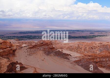 Vue sur le paysage du désert d'Atacama. L'oasis de San Pedro de Atacama, Cordillera de la Sal, Désert d'Atacama, Chili Banque D'Images